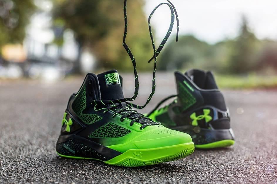 zapatillas under armour para jugar en la calle al baloncesto