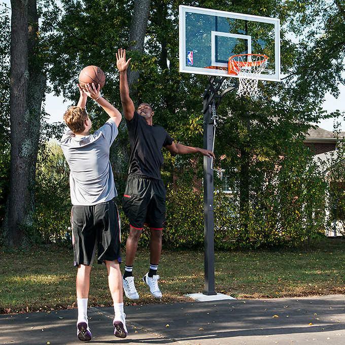 Canasta de baloncesto Spalding Gold in ground