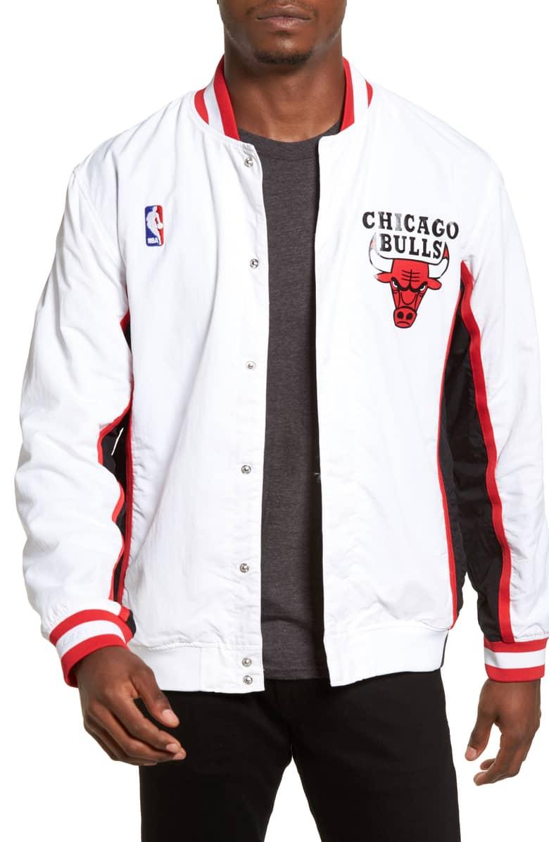 ede91448254cf Chaqueta Mitchell   Ness de los Chicago Bulls Authentic Warm Up jacket