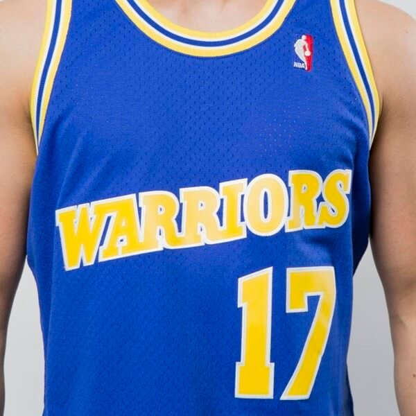 camiseta mullen con los warriors