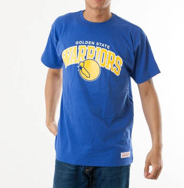 camiseta arch tee warriors