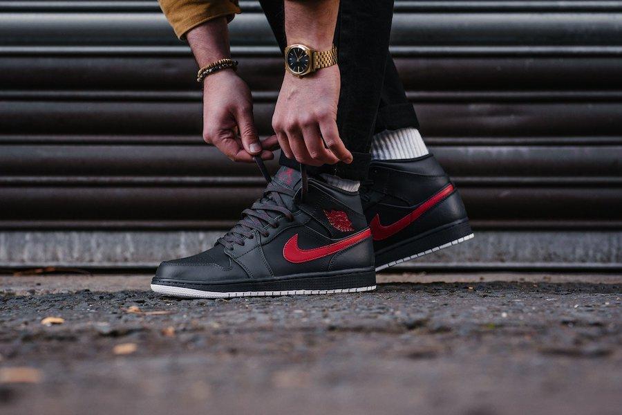 Zapatillas Nike Air Jordan I Negro y rojo